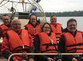 Le maire de Gatineau explore le parc de la Baie-McLaurin en hydroglisseur